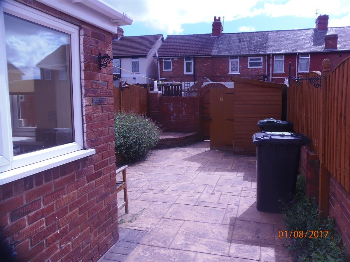 To Let - 3 bedroom Terraced house, Beech Grove, Bentley, Doncaster - £475 pcm
