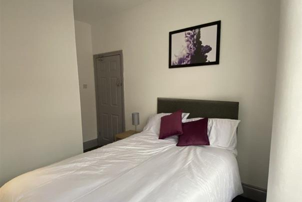 Hexthorpe Road, Room One, Doncaster