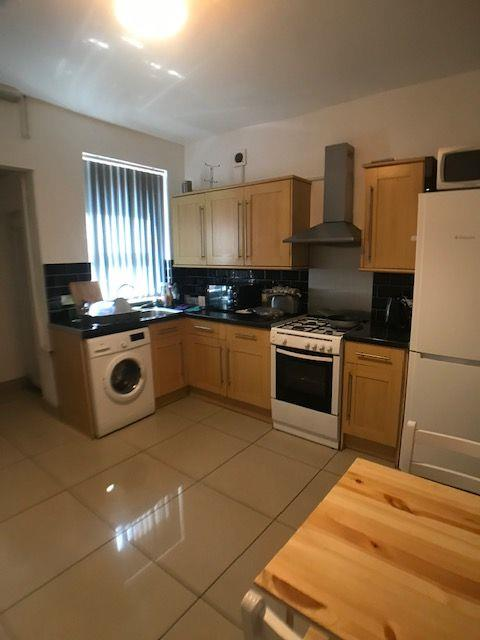 To Let - 1 bedroom Double room, Whybourne Grove, Rotherham - £85 pw