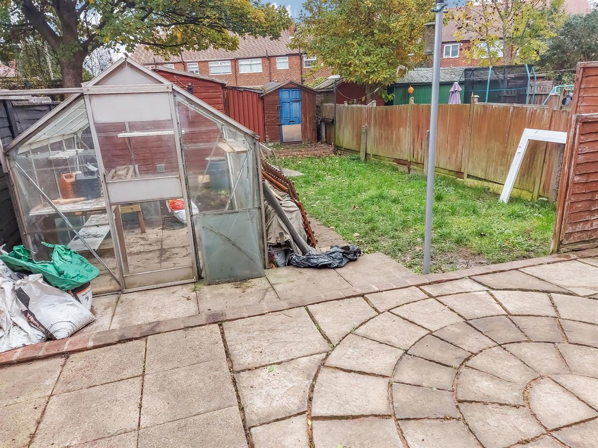 For Sale - 3 bedroom Semi-detached house, Sheppard Road, Doncaster - £85,000 Guide Price