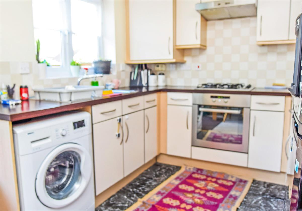 For Sale - 3 bedroom Terraced house, Harris Road, Armthorpe, DN3 - £130,000 Guide Price