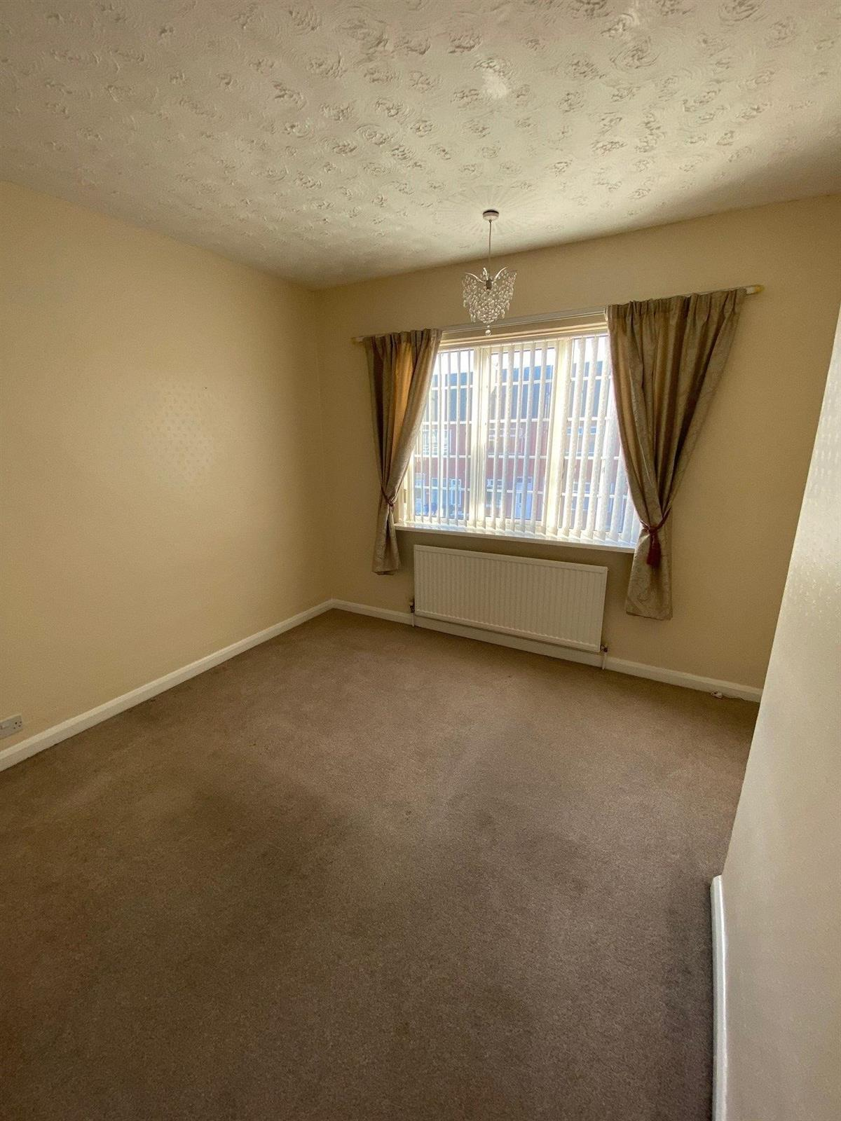 To Let - 2 bedroom Terraced house, Riviera Parade, Bentley, Doncaster - £525 pcm