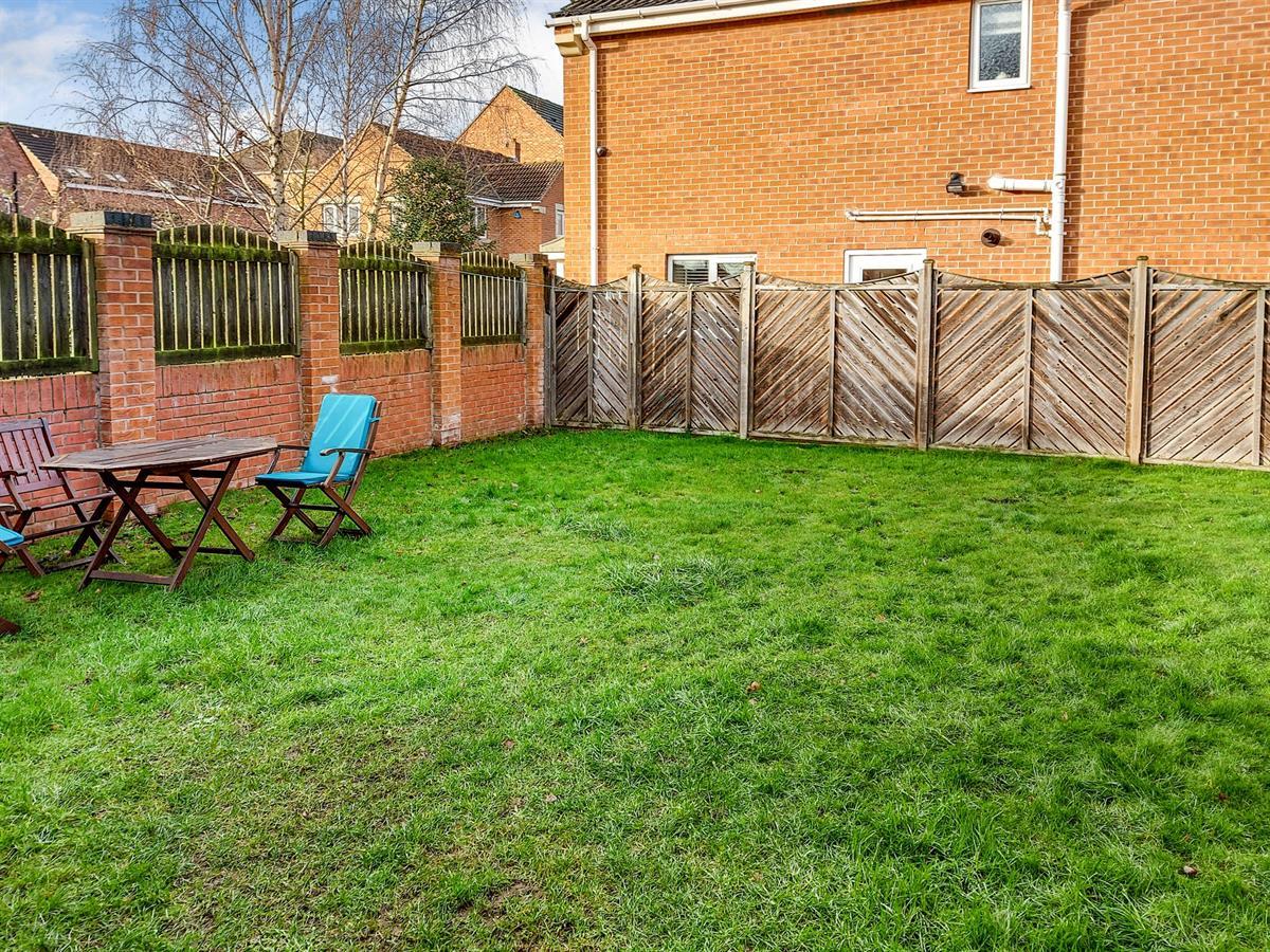 For Sale - 4 bedroom Detached house, Honeysuckle Close, Doncaster - £290,000 Guide Price