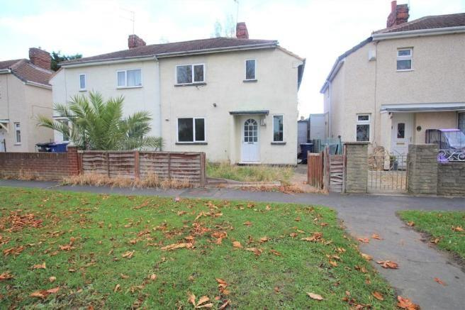To Let - 2 bedroom Semi-detached house, Springcroft Drive, Doncaster - £590 pcm