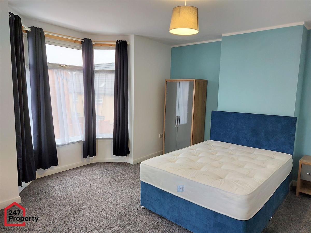 To Let - 1 bedroom Double room, Diana Street, Room Three, Scunthorpe - £90 pw