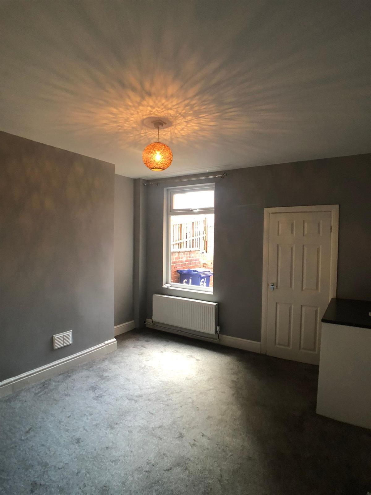 To Let - 2 bedroom Terraced house, Alexandra Road, Doncaster - £550 pcm