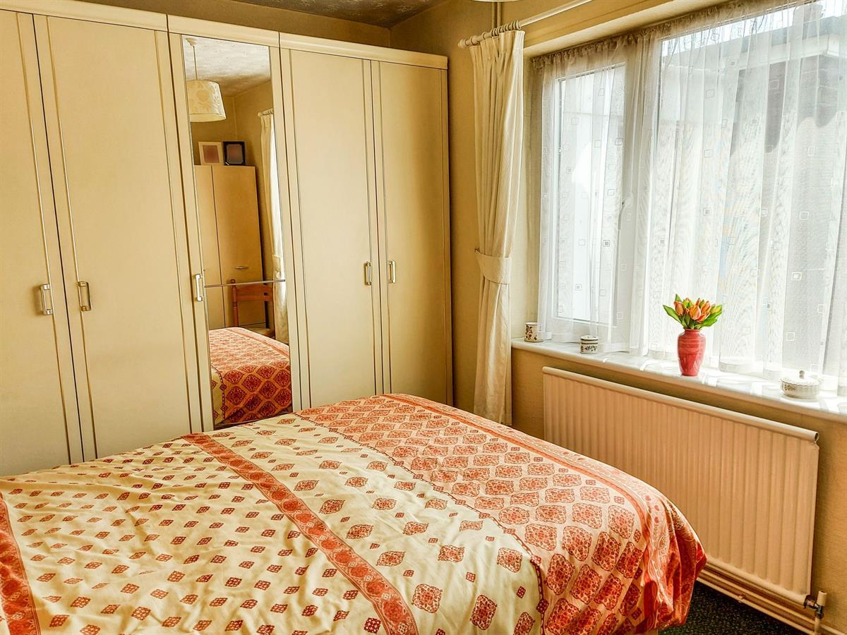 For Sale - 2 bedroom Bungalow, Abbey Way, Dunscroft, Doncaster - £130,000
