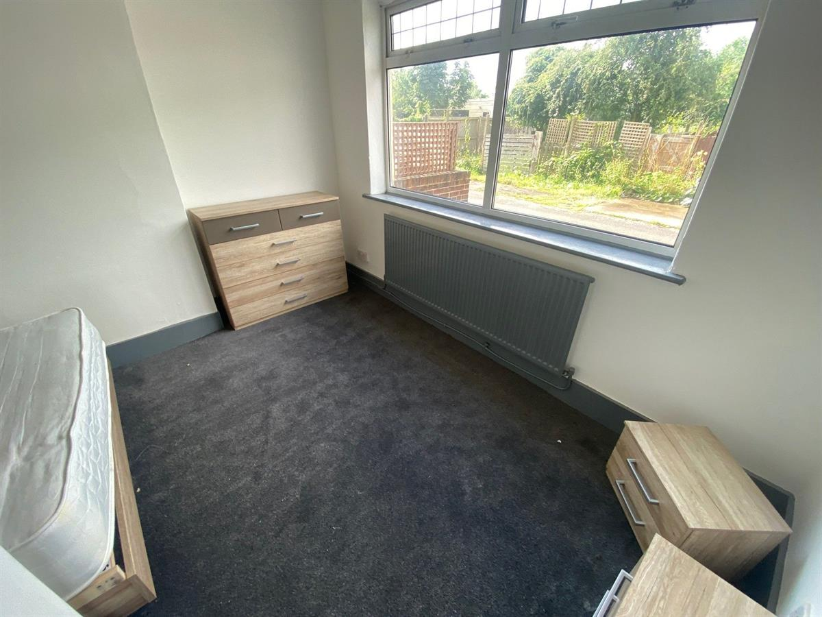 To Let - 1 bedroom Double room, Room 2, The Crescent, Woodlands, Doncaster - £75 pw