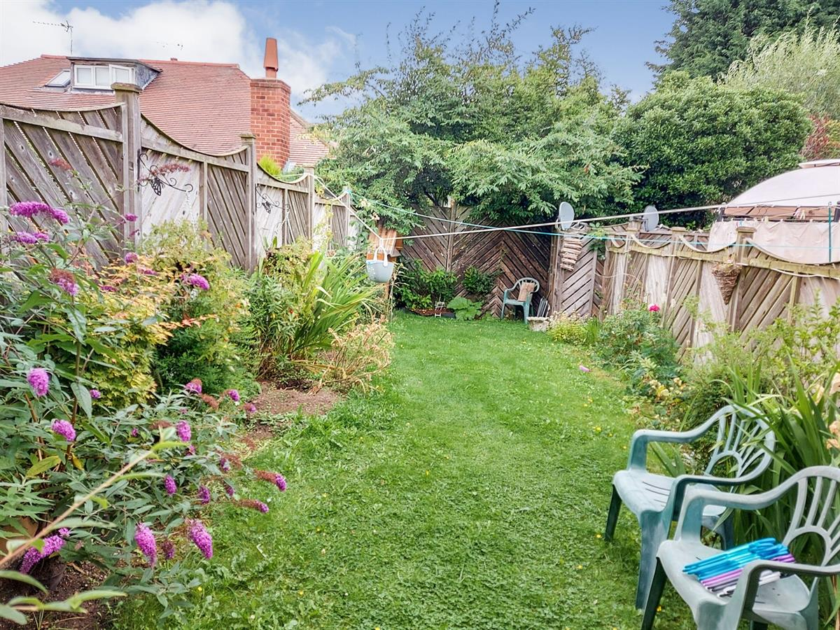 For Sale - 2 bedroom Semi-detached house, Honeysuckle Close, Bessacarr - £146,500 Guide Price