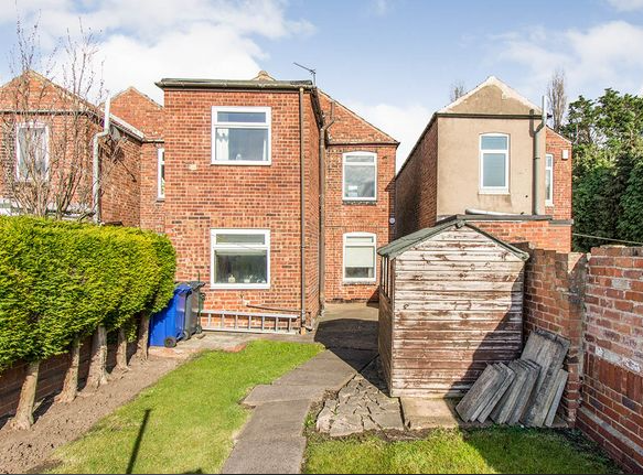 To Let - 3 bedroom Detached house, Adwick Avenue, Toll Bar, Doncaster - £675 pcm